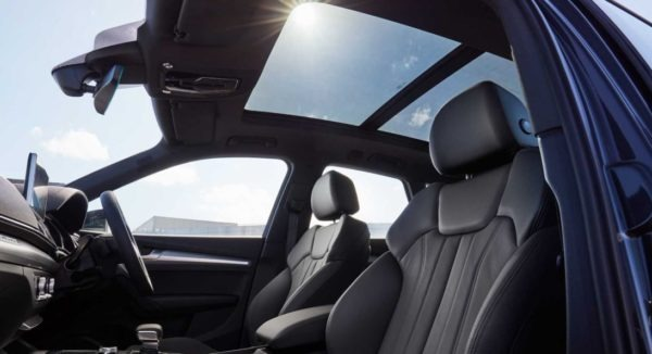 2020 Audi Q5 Panoramic interior View & seats
