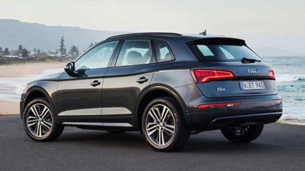 2020 Audi Q5 Rear-Side View