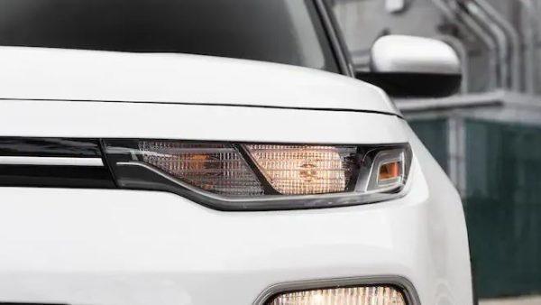 2020 KIA Soul front headlamps view