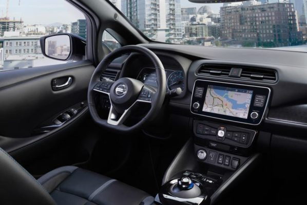 2020 Nissan Leaf interior cabin and technology