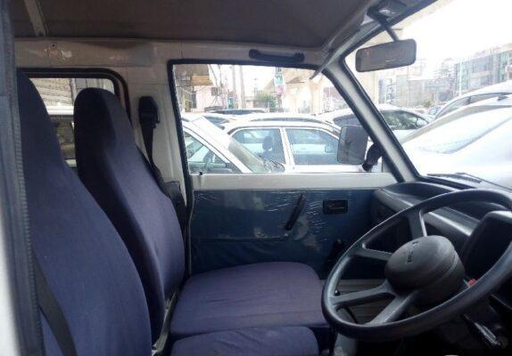 2020 Suzuki Bolan front seats