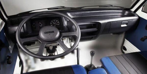 2020 Suzuki Bolan interior