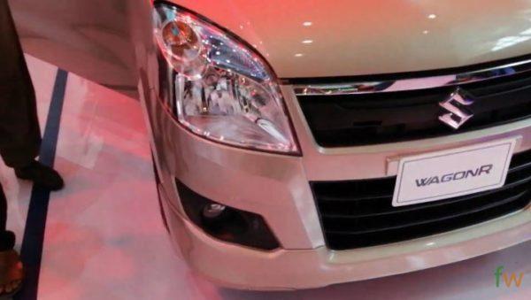 2020 Suzuki Wagon R Close Headlights view