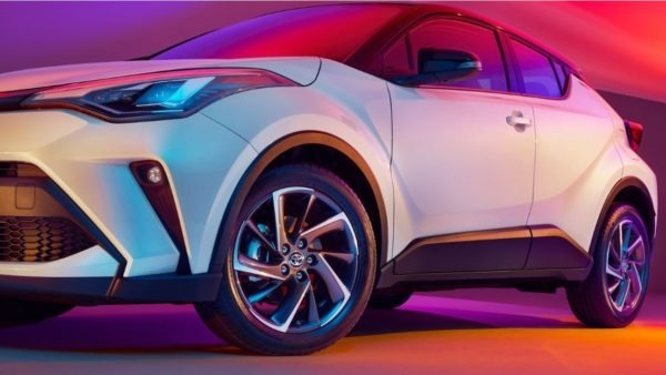 2020 Toyota CHR wheels & lights Close view