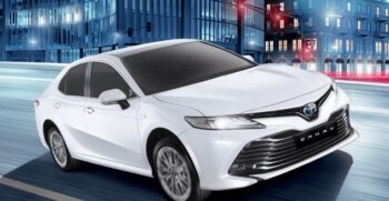 2020 Toyota Camry Hybrid Feature Image