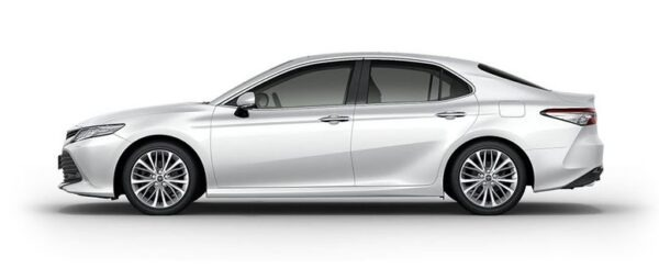 2020 Toyota Camry Hybrid Side View