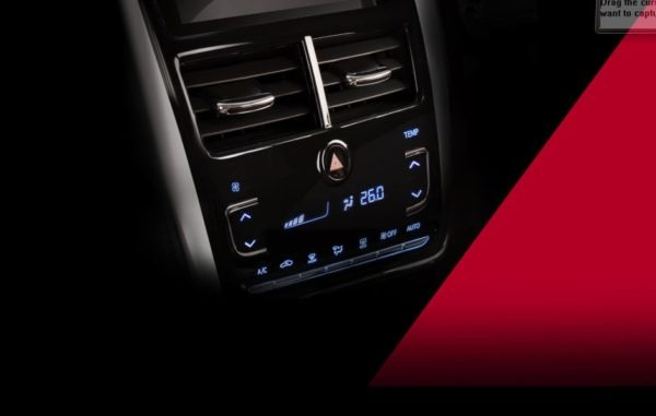 2020 Toyota Yaris control buttons
