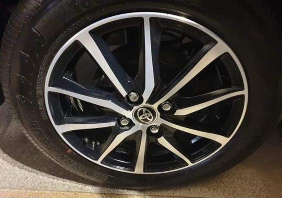 2020 Toyota Yaris wheels view