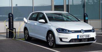 2020 Volkswagen E-Golf title image