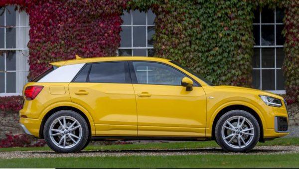 2020 Audi Q2 side view 2