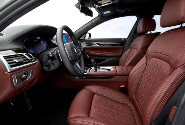 2020 BMW 7 Series front seats