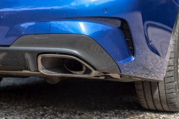 2020 BMW M304i Rear Exhaust View