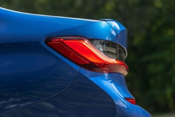 2020 BMW M304i Rear tail lights side view