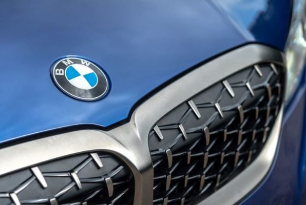 2020 BMW M304i front grille close view