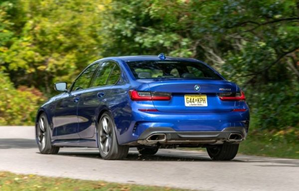 2020 BMW M304i full rear view