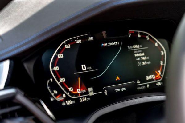 2020 BMW M304i information cluster