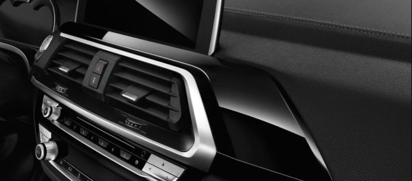 2020 BMW X3 Series air vents and buttons