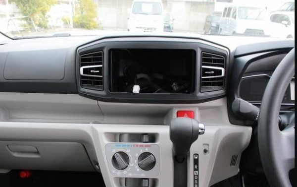 8th Generation Daihatus Mira infotainment screen