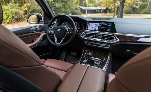 BMW 5 Series xDrive40i front cabin interior full view