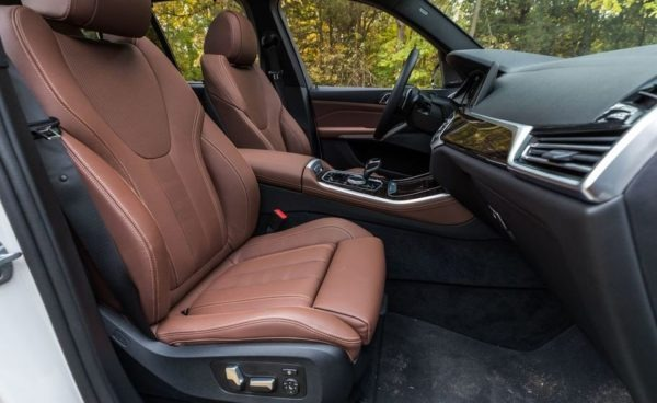 BMW 5 Series xDrive40i front seats