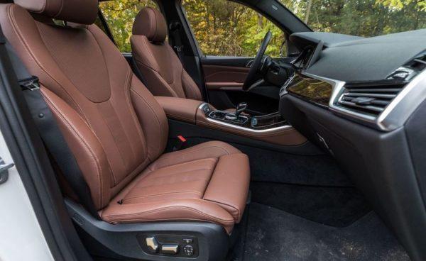 BMW 5 Series xDrive40i front seats