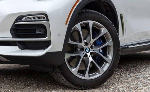 BMW 5 Series xDrive40i wheels view