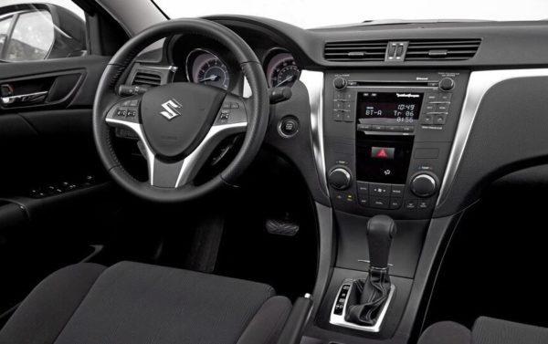 Suzuki Kizashi front interior cabin view