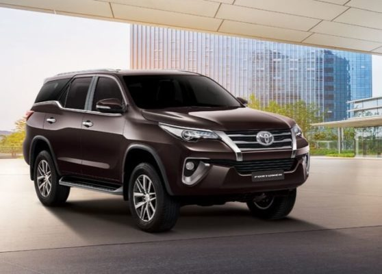 Toyota fortuner 2nd generation font view