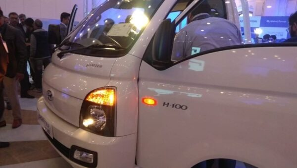 2020 Hyundai Porter H 100 front headlamps close view