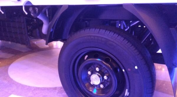 2020 Hyundai Porter H 100 wheels view