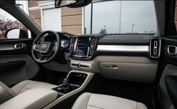 2020 Volvo XC40 front cabin interior view