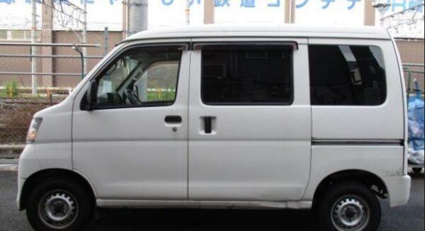 Daihatsu Hijet side view