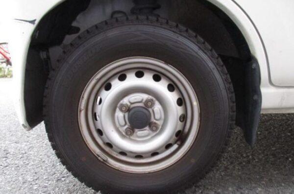 Daihatsu Hijet steel wheel view