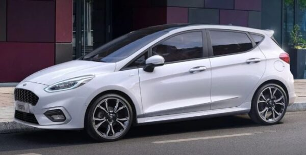 2021 Ford Fiesta side view