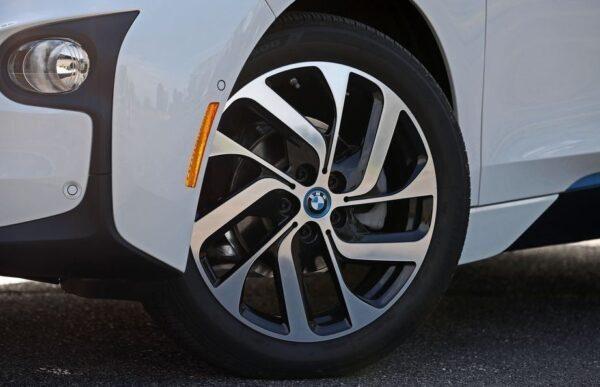 BMW i3 REX wheels view