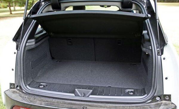 bmw i3 Rex luggage area view