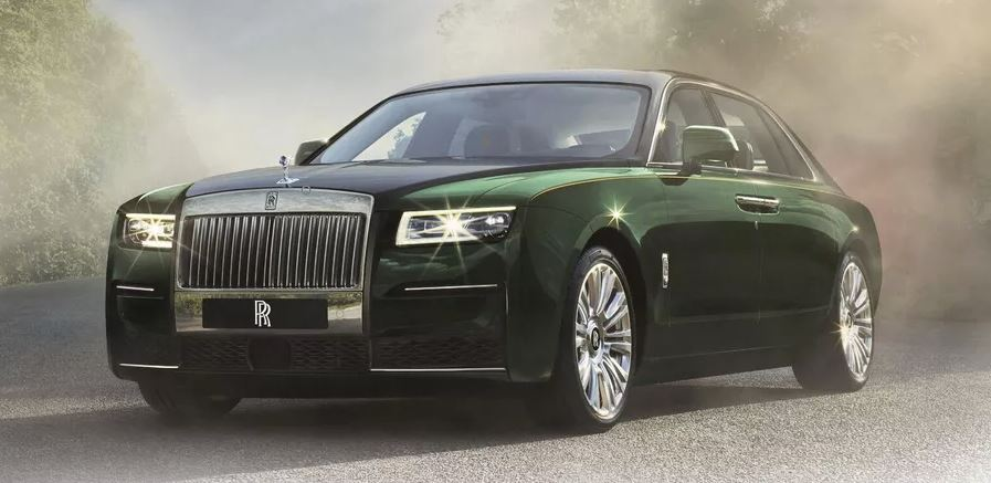 2021 Rolls Royce Ghost Extended green black colored feature image