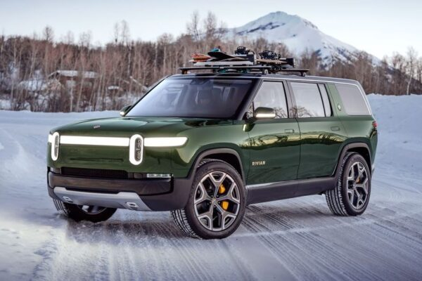 1st Generation Rivian R1S SUV title image