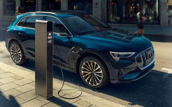 1st generation Audi E tron Electric SUV title image