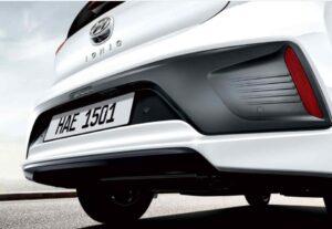 1st Generation Hyundai Ioniq Hybrid sedan Rear reflectors