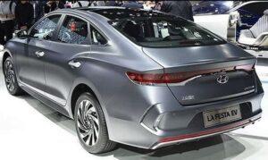1st generation Hyundai Lafesta EV sedan Side and rear view