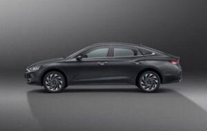 1st generation Hyundai Lafesta EV sedan side View