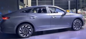 1st generation Hyundai Lafesta EV side and wheels view