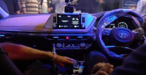 8th Generation Hyundai Sonata Luxury Sedan Steering wheel view