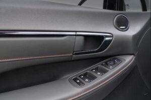 8th Generation Hyundai Sonata Luxury Sedan interior quality and other controls