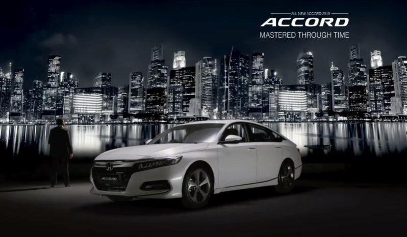 10th generation Honda Accord sedan title image full view