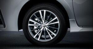 11th generation Toyota corolla Altis Grande wheel view