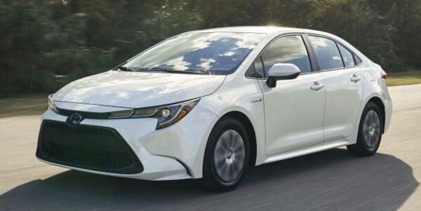 12th Generation Toyota Corolla Hybrid Sedan Title image