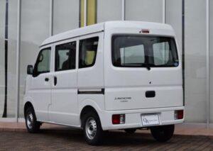 8th Generation Mitsubishi mini cab Rear view