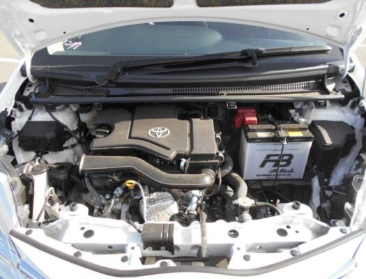 3rd Generation facelifted toyota vitz hatchback engine view
